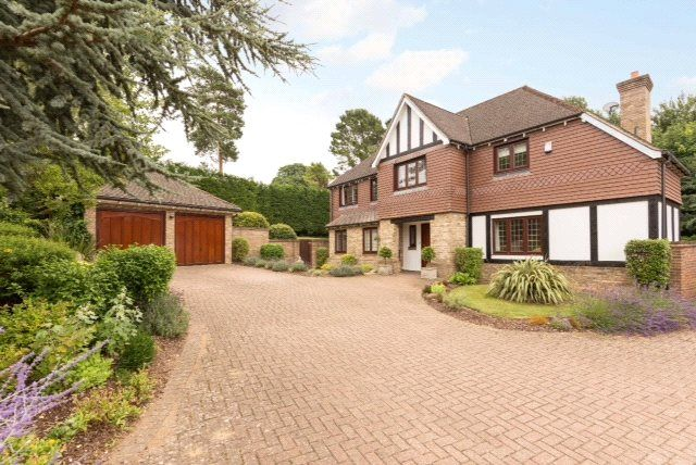 Thumbnail Detached house to rent in Claremount Gardens, Epsom