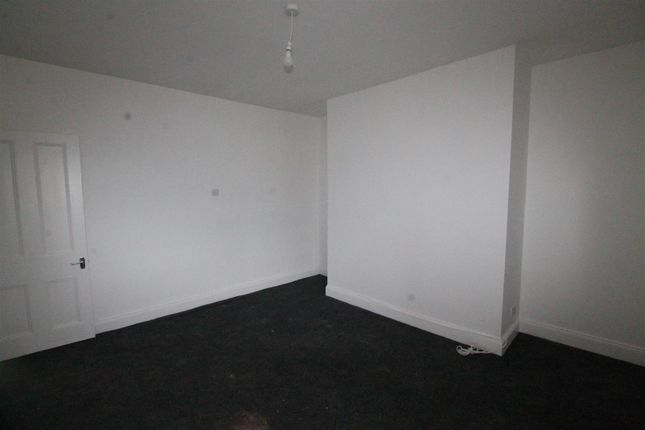 1 bed flat to rent in High Street North, Langley Moor, Durham DH7