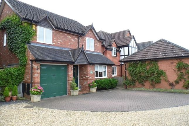 4 bed detached house to rent in Huntersfield, Shavington, Crewe