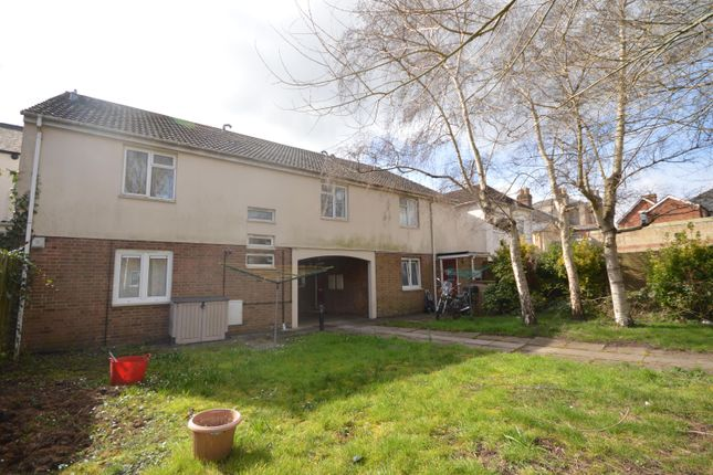 Thumbnail 1 bed flat to rent in Jubilee Court, Salisbury