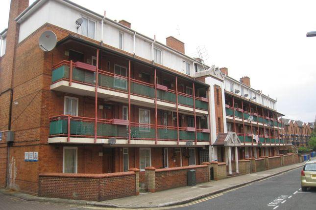 Thumbnail Flat to rent in West Lane, London