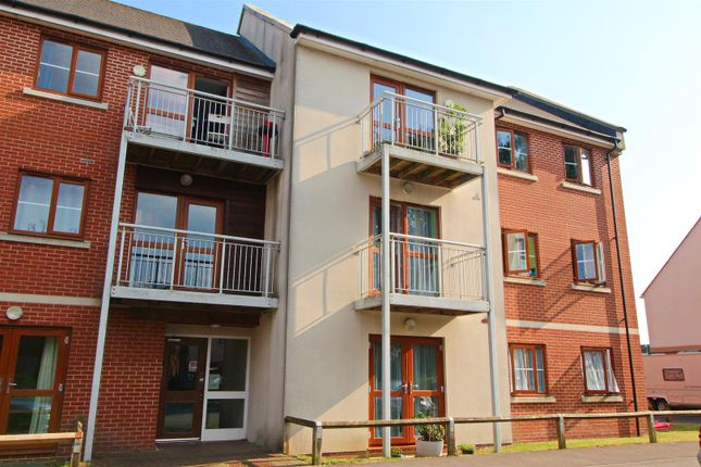Thumbnail Flat for sale in Park Prewett Road, Basingstoke