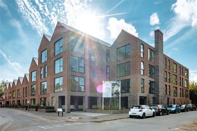 Flat for sale in Horsell Moor, Horsell