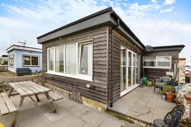 The Kench Ferry Road Hayling Island Po11 3 Bedroom Detached Bungalow For Sale 44985713