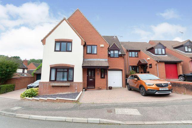 Thumbnail Detached house for sale in Barham Road, Stevenage