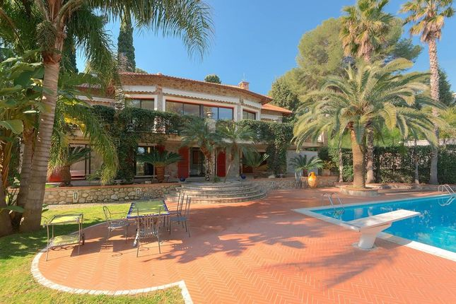 Villa for sale in Roquebrune Cap Martin, French Riviera, France