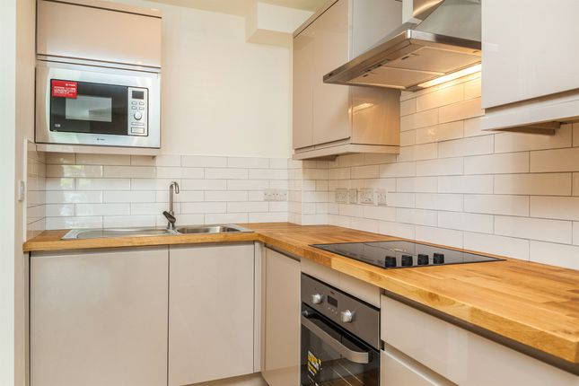 2 bedroom flat for sale in Netham Road, St George, Bristol