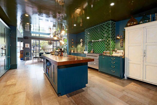 Thumbnail Terraced house to rent in Hammersmith Grove, Brackenbury, London