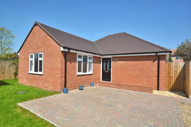 Thumbnail Detached bungalow for sale in Bridge Close, Didcot