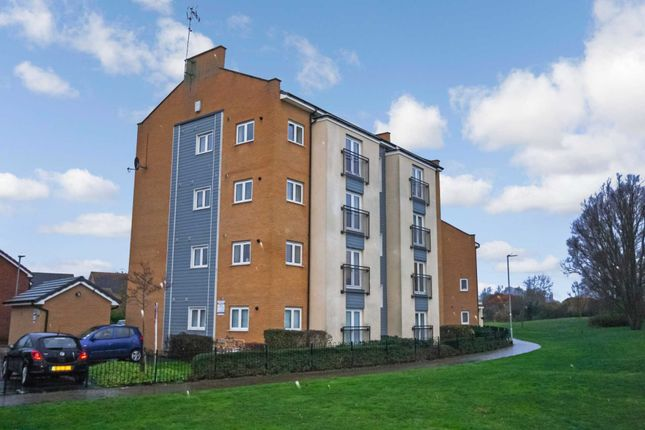 Thumbnail Flat for sale in Clenshaw Path, Basildon