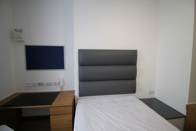 Thumbnail Flat to rent in Slater Street, Liverpool