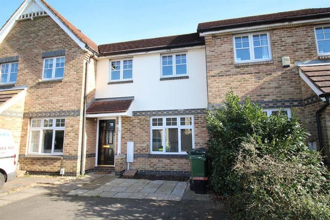 3 bed property to rent in Clarke Crescent, Kennington, Ashford