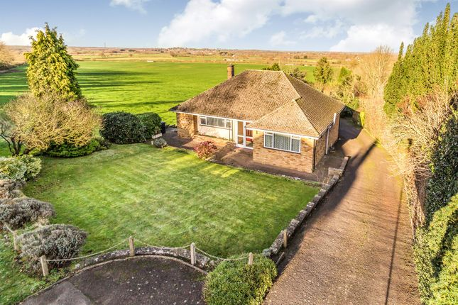 3 bed detached bungalow for sale in Southam Road, Napton, Southam