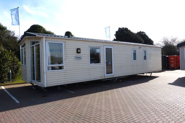 Thumbnail Mobile/park home for sale in Combe Haven Holiday Park, Hastings