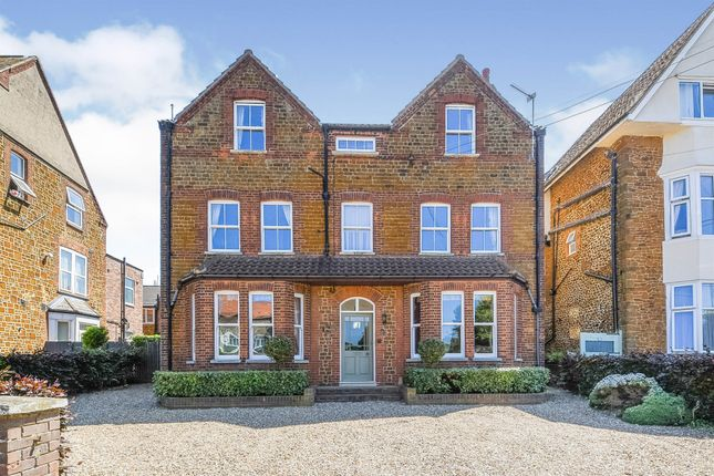 Thumbnail Detached house for sale in Northgate, Hunstanton