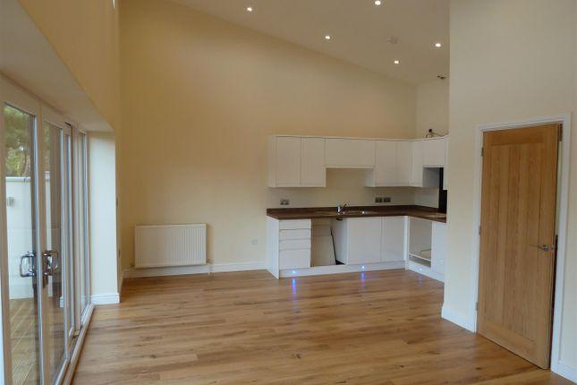 2 bed property for sale in Langer Road, Felixstowe