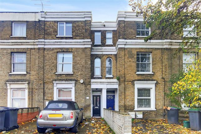 Thumbnail Flat to rent in Philip Lane, London