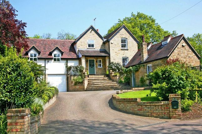 4 bed detached house for sale in Wormley West End, Nr Broxbourne, Herts