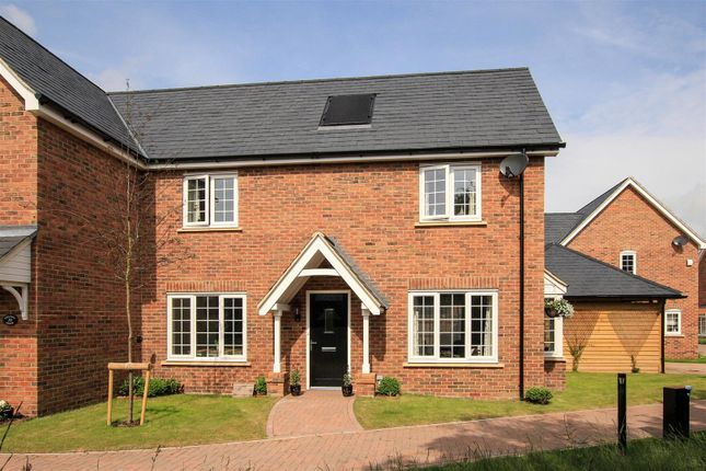 Thumbnail Property for sale in Williamson Way, Pitstone, Nr Tring
