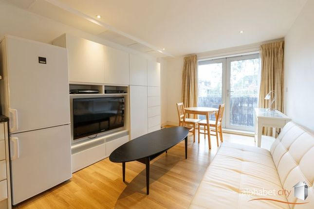 Thumbnail Flat for sale in Storehouse Mews, London