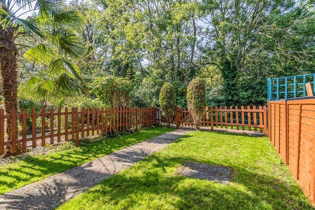 Garden of Hillbrow, Reading RG2