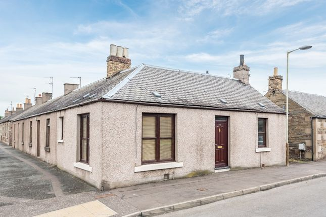 Thumbnail Cottage to rent in Kinloch Street, Carnoustie, Angus