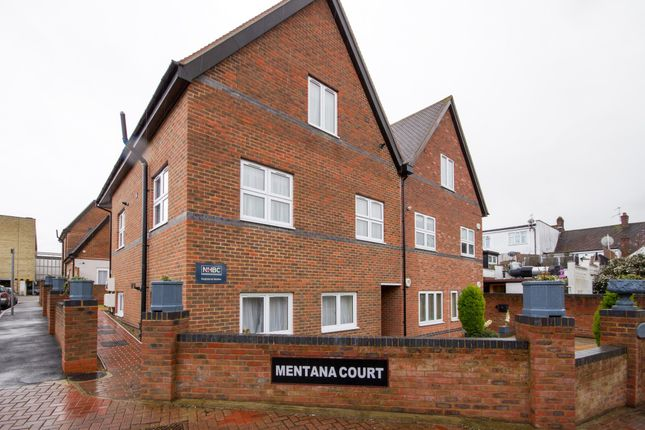 Thumbnail Flat for sale in Leeway Close, Hatch End, Pinner