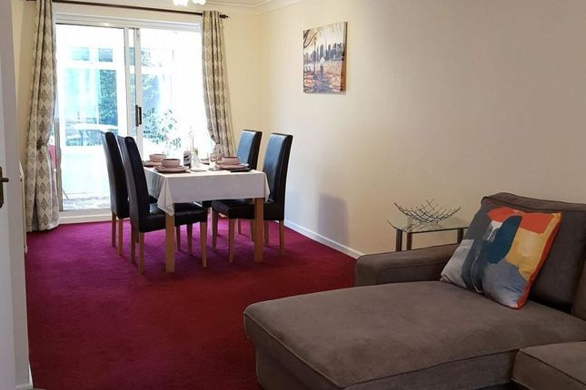 Thumbnail Flat to rent in Ravenhill Way, Luton