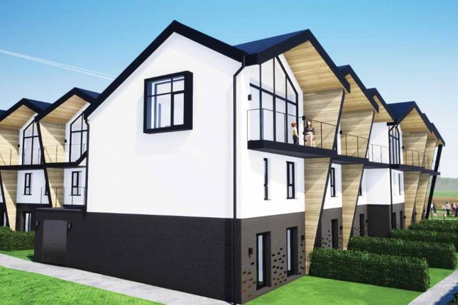 Thumbnail Town house for sale in Glynllifon, Marianglas