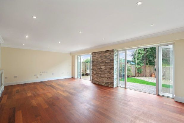 Thumbnail Property to rent in Hampton Court Way, East Molesey
