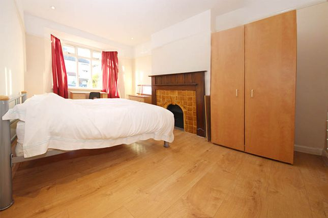 5 bed semi-detached house to rent in Herbert Road, Kingston Upon Thames