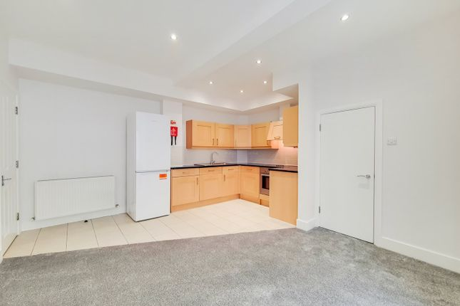 3 bed mews house to rent in Huntsworth Mews, London NW1