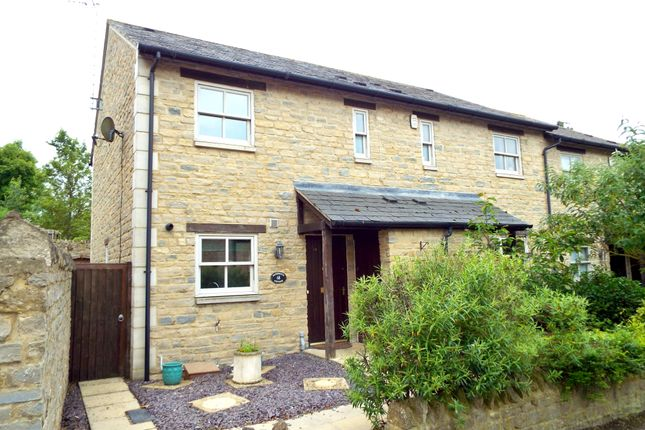 3 bed semi-detached house to rent in London Road, Wollaston, Northamptonshire NN29