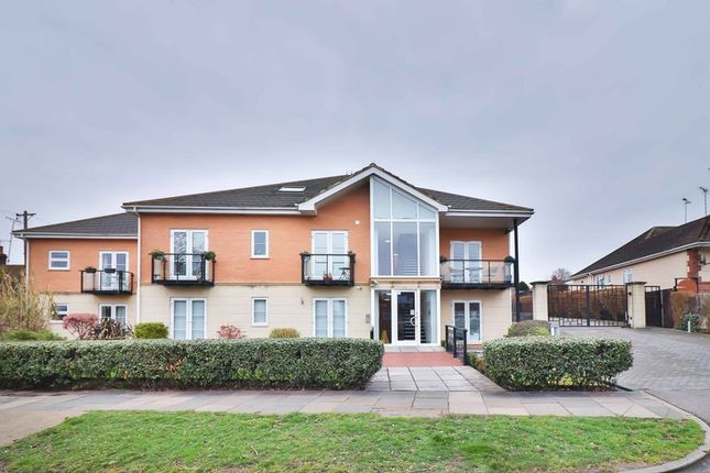 Thumbnail Flat for sale in Rayleigh Road, Eastwood, Leigh-On-Sea