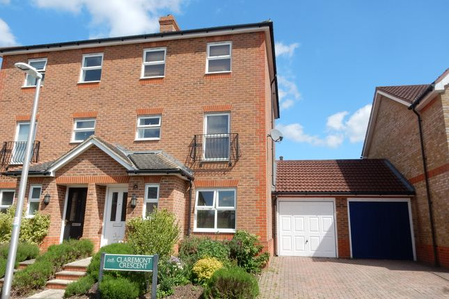 Thumbnail Town house to rent in Claremont Crescent, Newbury