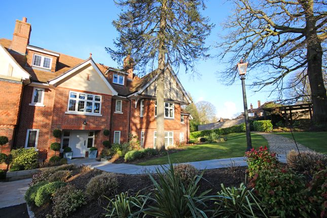 Thumbnail Flat to rent in The Glade, Kingswood, Tadworth