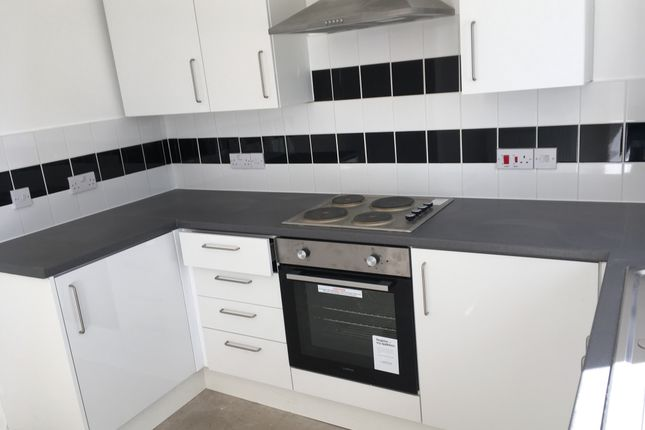 3 bed terraced house to rent in Chatham Street, Wigan WN1