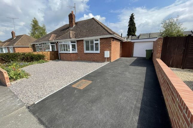 2 bed bungalow to rent in Pickering Road, Leckhampton, Cheltenham GL53