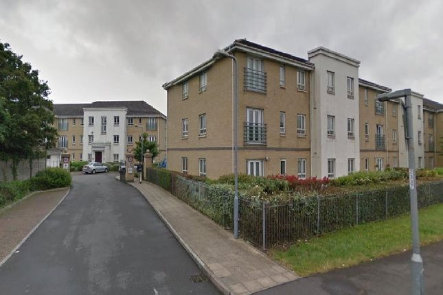 Thumbnail Flat to rent in Regency Court, Langley Slough, Berkshire