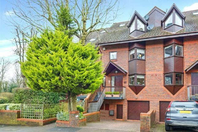 Thumbnail Terraced house for sale in Broadlands Road, Highgate