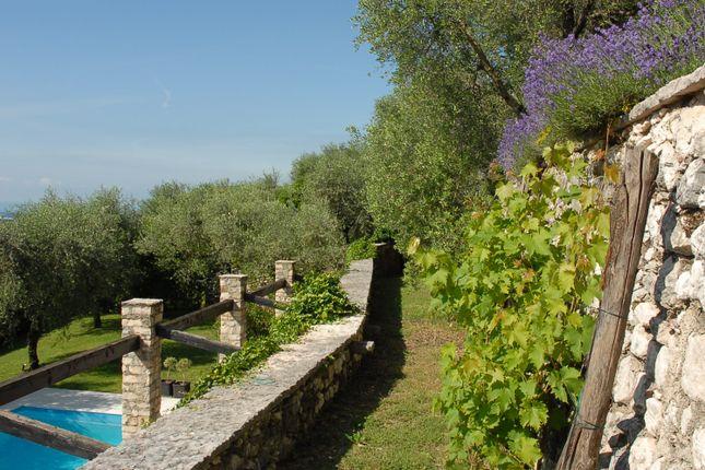 Property for sale in Lake Garda | ITALY Magazine