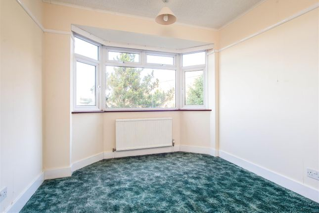 Mastte Bedroom of Sylvan Way, Redhill RH1