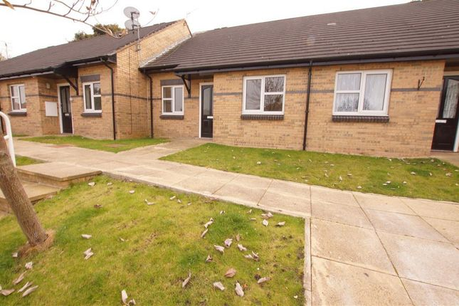Thumbnail Bungalow to rent in Farm Hill Road, Idle, Bradford