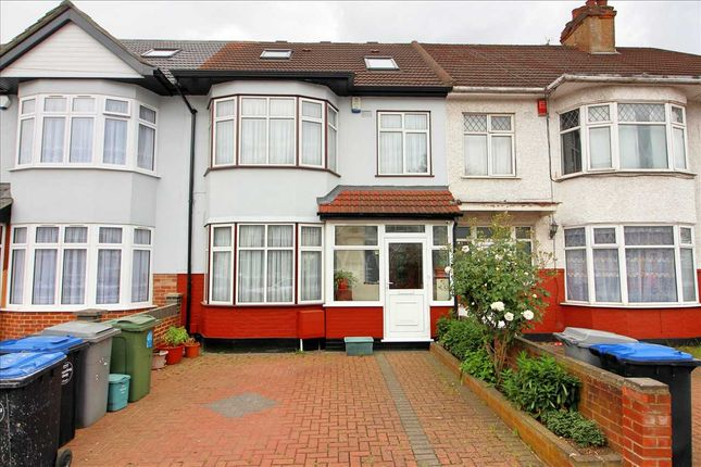 4 bed terraced house to rent in Fairway Avenue, Kingsbury, London NW9