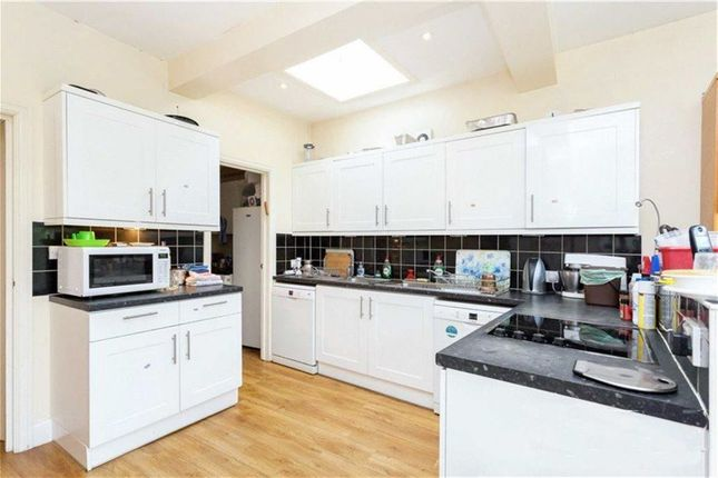 Thumbnail Semi-detached house to rent in Chatsworth Avenue, Hendon, London