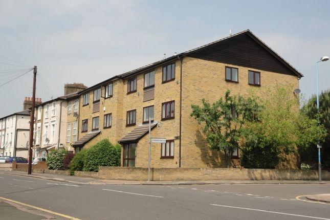 Thumbnail Flat to rent in Heathwood Court, Heath Road, Hounslow