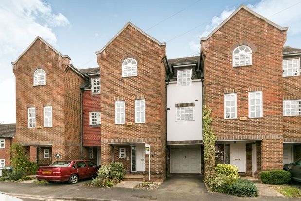 Thumbnail Property to rent in The Fairfield, Farnham