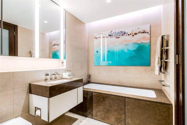 Bathroom of Kings Gate Walk, Victoria, London SW1E