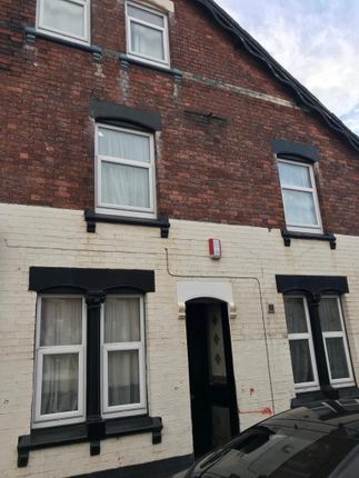 Thumbnail Town house for sale in Liverpool Road, Stoke