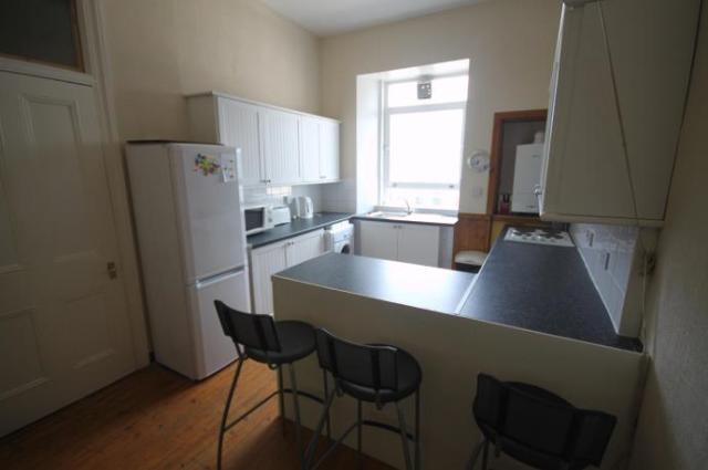 Thumbnail Flat to rent in Polwarth Crescent, Edinburgh